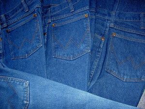 Finding God Daily: Finding God Through Skinny Jeans